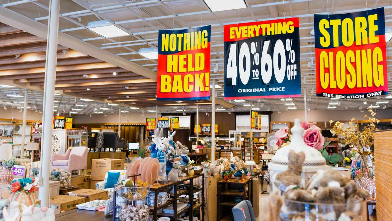 pier one closing sale